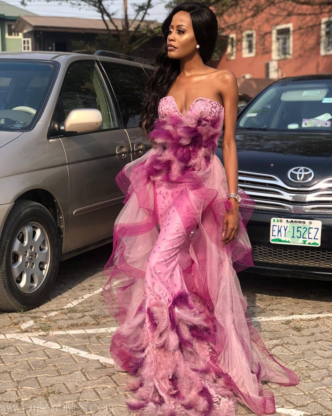 These Awesome Asoebi Styles Will Trip You