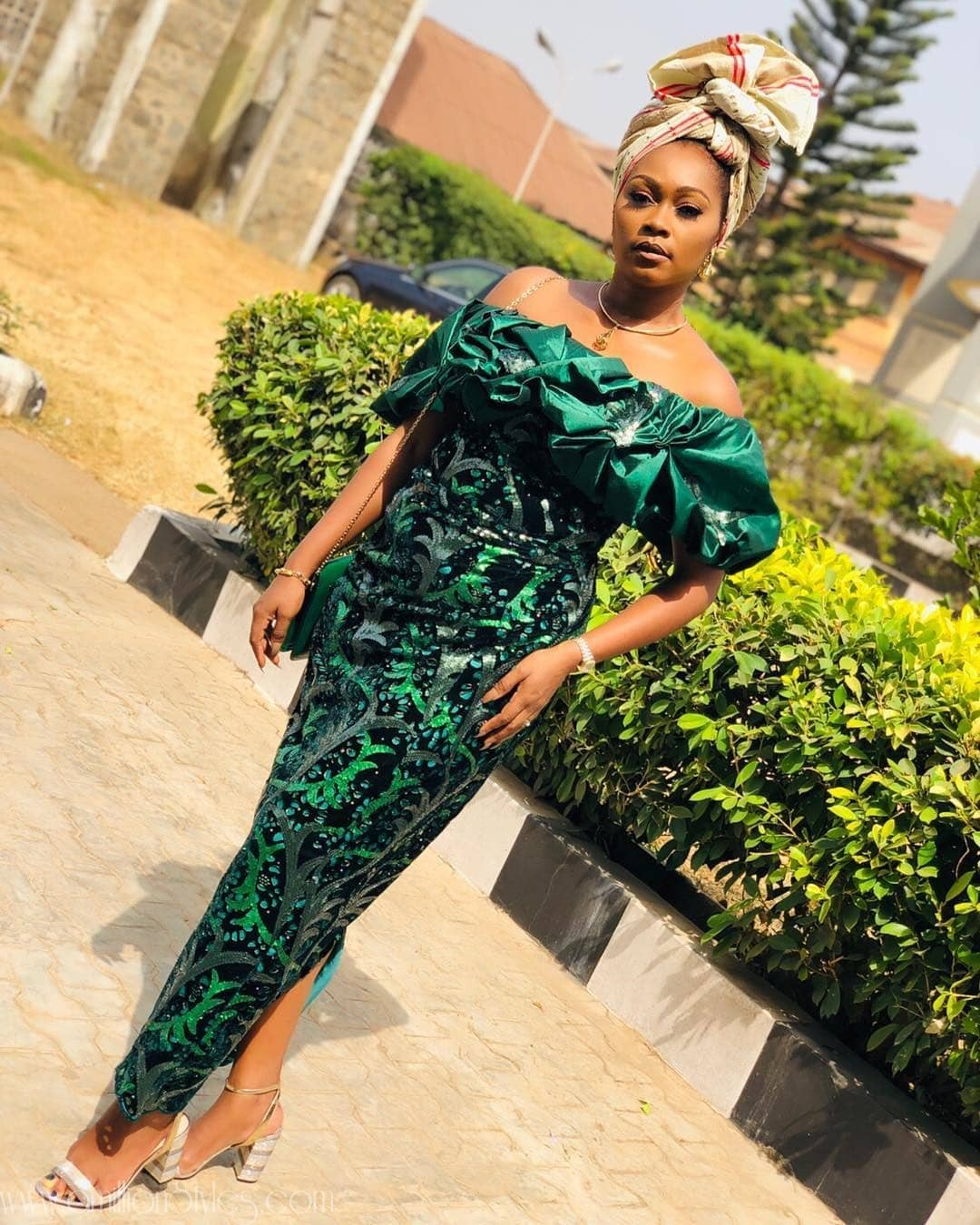 11 Lace Asoebi Styles That Were Slayed By Goddesses