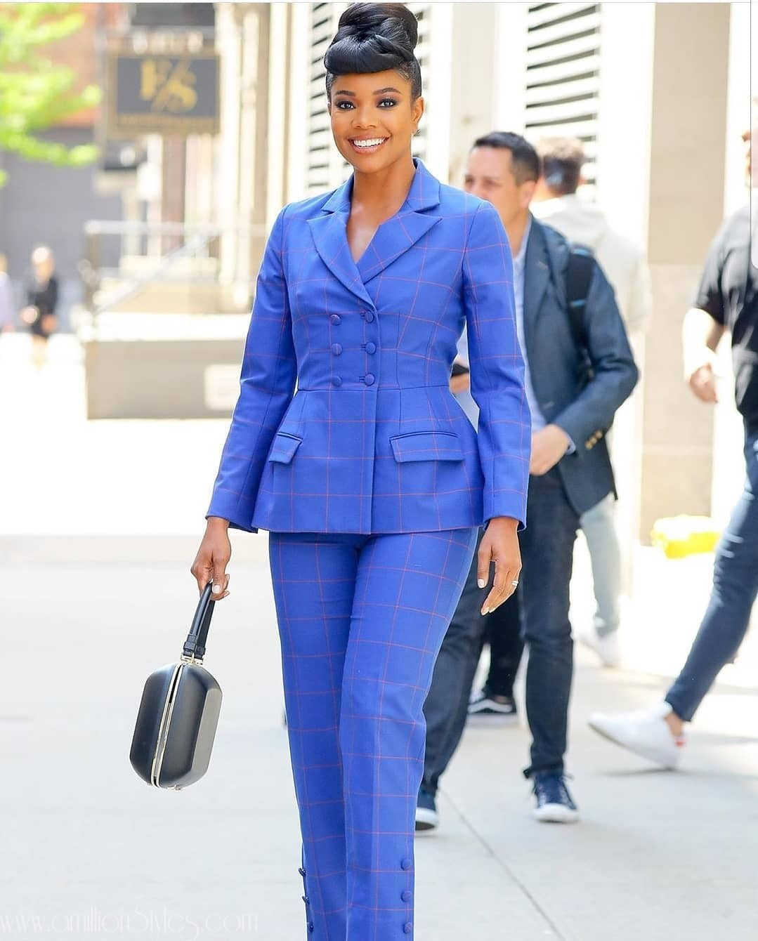 12 Hawt Corporate Styles-(This Is How To Start The Week On A Right Note)