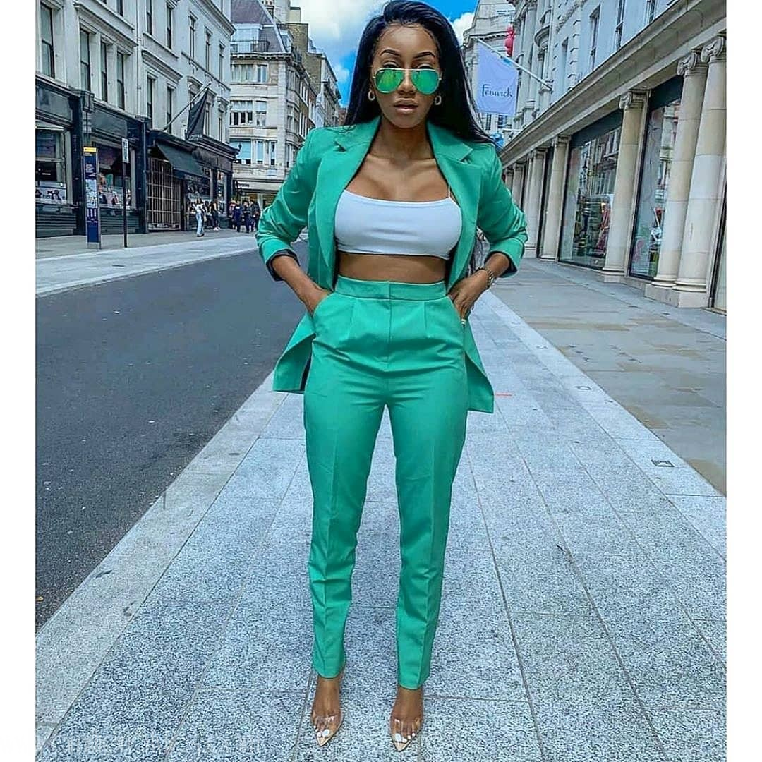Love Green? Try Out These Green Styles Combo!