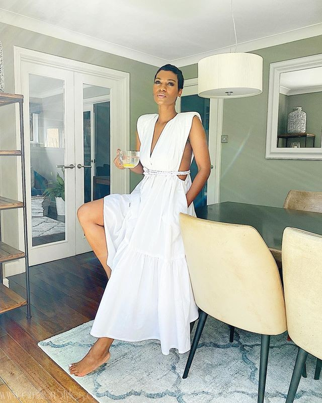 10 Perfect All-White Outfits For A Hangout With Friends