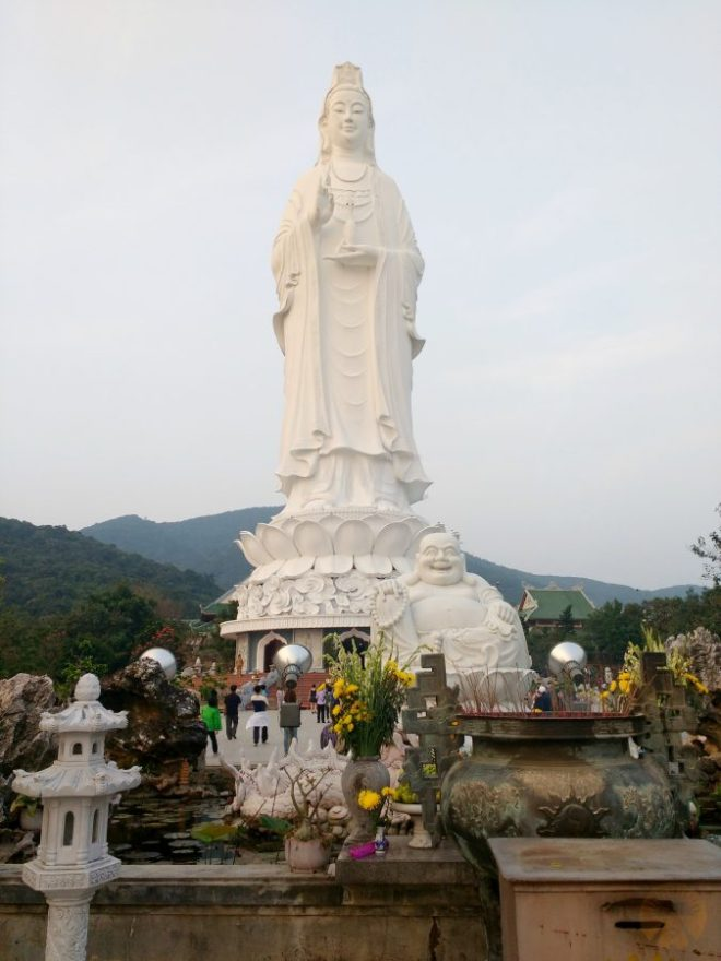 Lady Buddha da nang hostel