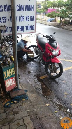 meccanico moto vietnam