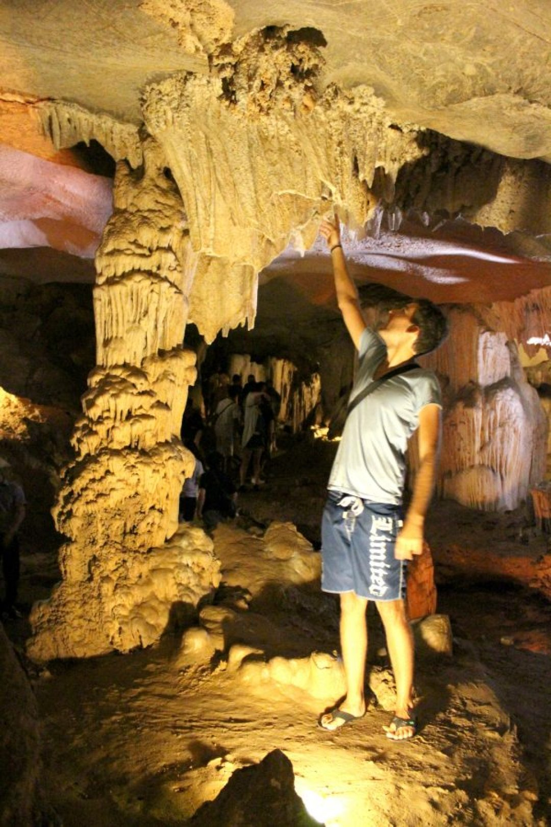 Thien Canh Son Cave