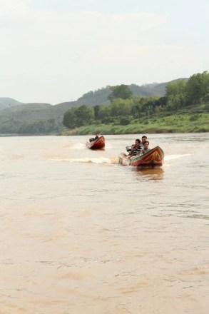 speedboat vs slowboat mekong river luang prabang