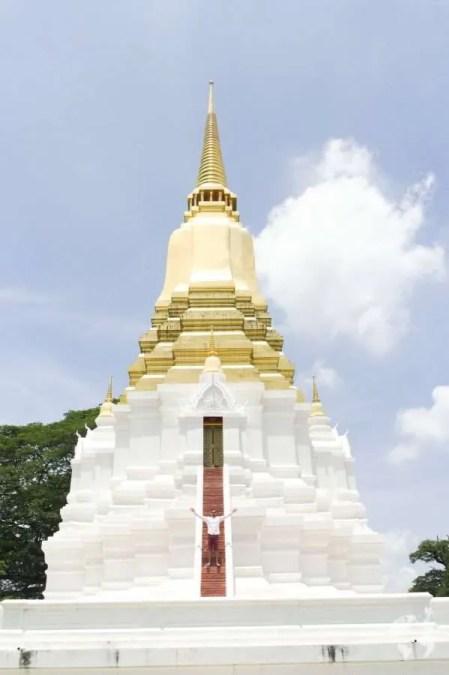 white gold temple thailand