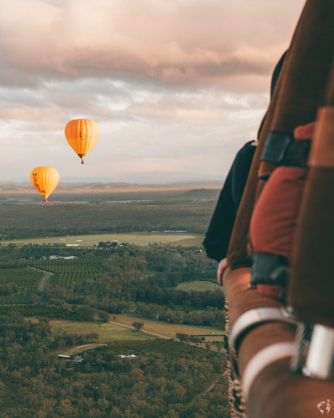 Air ballooning cairns