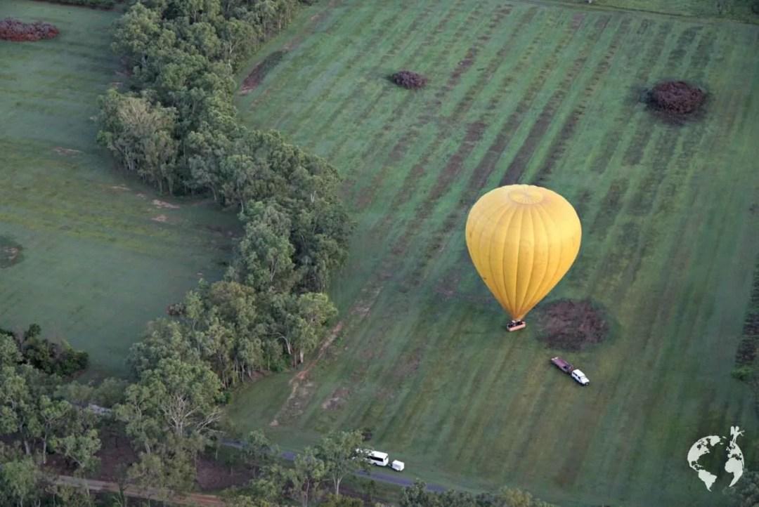 Balloon cairns landing