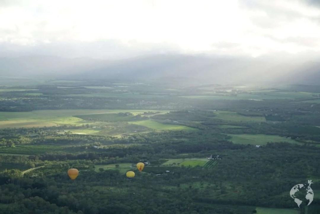 hot air balloon cairns tablelands