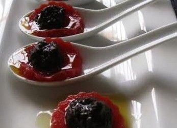 Gelatina de Tomate con Tapenade Negro1