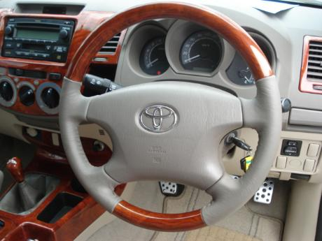 teakwood steering
