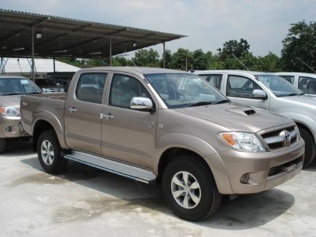 new Toyota Hilux Vigo Double Cab 4x4 E at Thailand's most trusted Toyota Hilux Vigo dealer Jack Motors Thailand