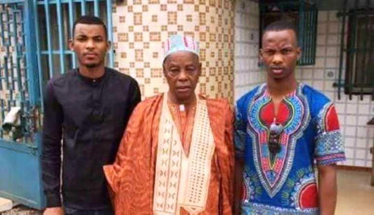 Feu El-Hadj Doura Diallo avec ses enfants