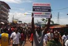 Marche pacifique de la société civile contre la hausse du prix du carburant