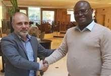 Xavier Bernard, nouvel entraîneur de Hafia avec Kerfalla Person Camara KPC, PDG du club