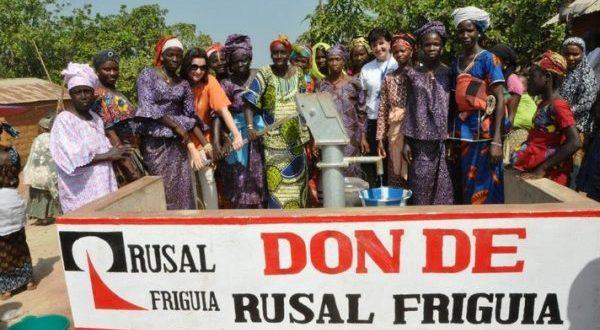 RUSAL offre des forages à trois localités de la commune urbaine de Fria