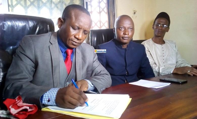 Abdoulaye Camara et Michel Pépé Balamou paraphent l'affiliation du syndicat national de l'éducation à l'USTG
