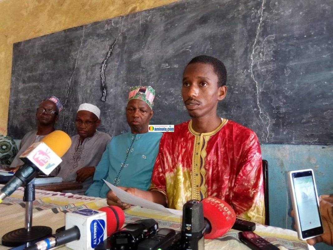 Mamadou Samba Sow, porte-parole des victimes de Kaporo rails lors d'une conférence de presse