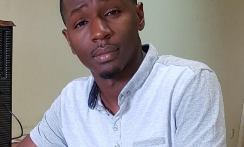 Thierno Maadjou Bah, journaliste à la radio nostalgie