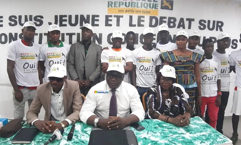 Les membres du mouvement La nouvelle république