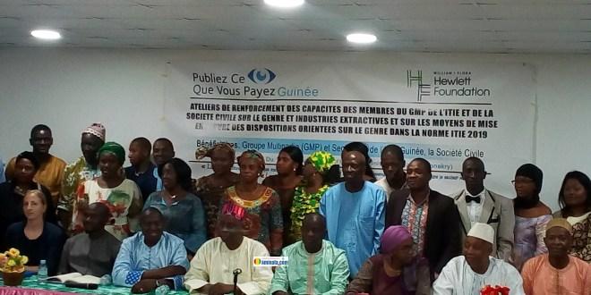 Des membres de l'antenne Guinée Publiez ce que vous payer (PCQVP) lors d'un atelier dans la capitale