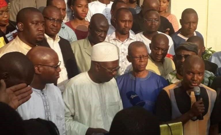 Des leaders et certains membres du Front national pour la défense de la constitution