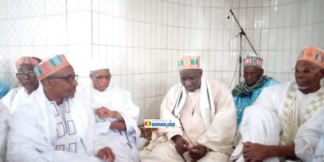 Des sages du Foutah dont Elhadj Ousmane Baldé Sans loi, Elhadj Badrou chez le Khalif général du Foutah après une attaque des policiers contre son domicile