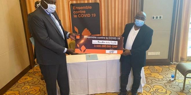 Remise de trois milliards cinq cent millions d'ORANGE Guinée au ministère de la santé