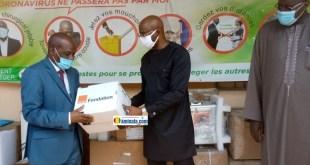 Remise de don d'important équipement sanitaire