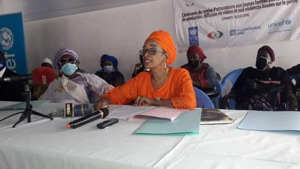 cérémonie officielle de remise des attestations aux jeunes formés aux techniques de production, de diffusion de vidéos et aux violences basées sur le genre.