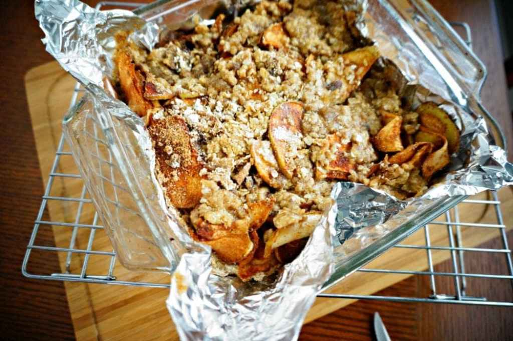 Baked Apple Crisp Bars