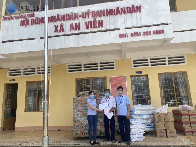 AM Representatives gave gifts to the local authorities