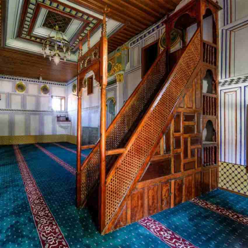 Best Kazak Rugs And Mosque Carpets in UAE