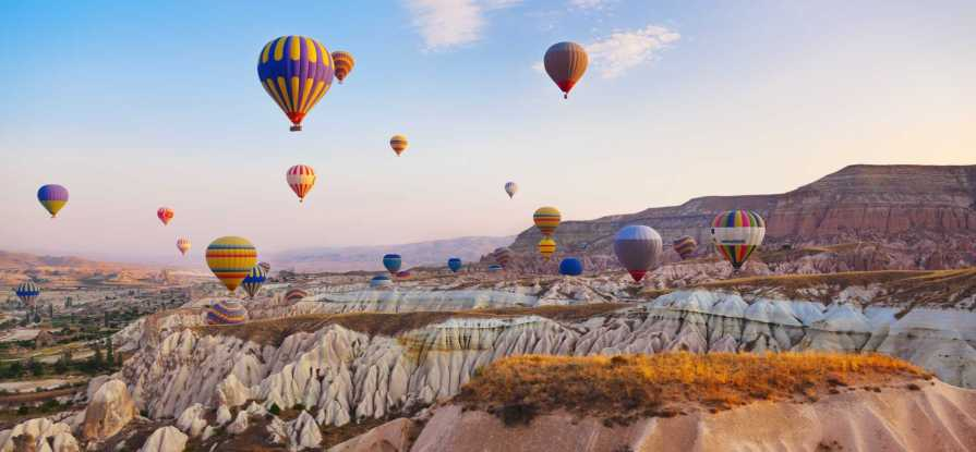 Best Spots for Hot-Air-ballooning with Magical Views