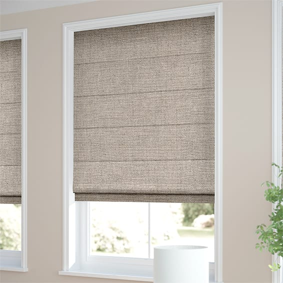How to Use Different Styles of Roman Blinds and Blinds to Decorate the Room