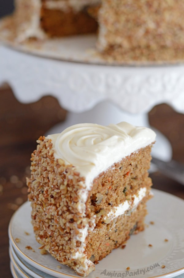Very Moist Applesauce Cake