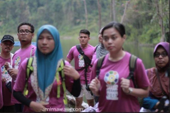 Sebelum mula mendaki, dengar dahulu penerangan ranjer hutan