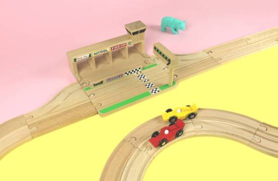 ikonic-toys-wooden-race-track (4)