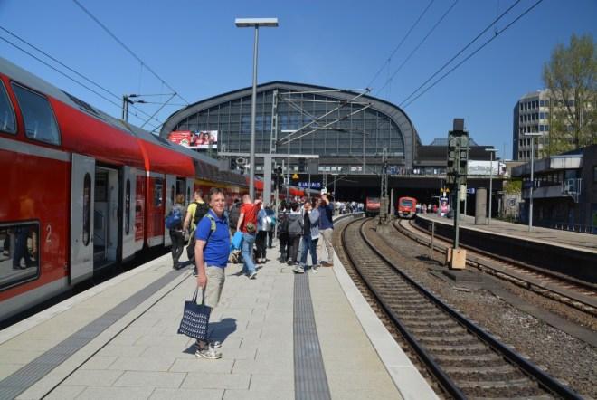 Der Urlaubär-Vater im HH Hauptbahnhof