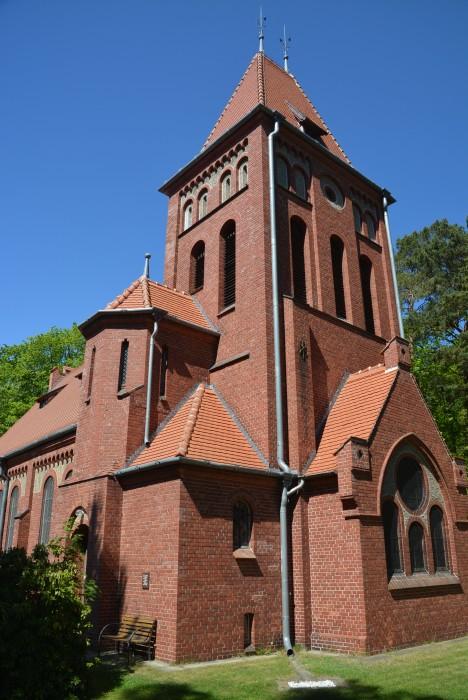neugotische Kirche von 1893 in Wustrow/Fischland