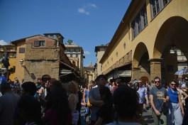 Ponte Vecchio mit Touris
