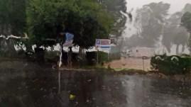 Regenwasser läuft über die Scheibe von Fiete II