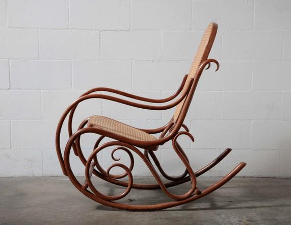 bent wood rocking chair old high parts thonet amsterdam modern
