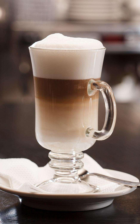 Como fazer latte macchiato  Design de uma pequena cozinha