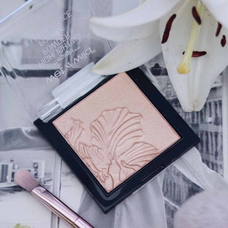 Wet N Wild Highlighting Powder Precious Petals