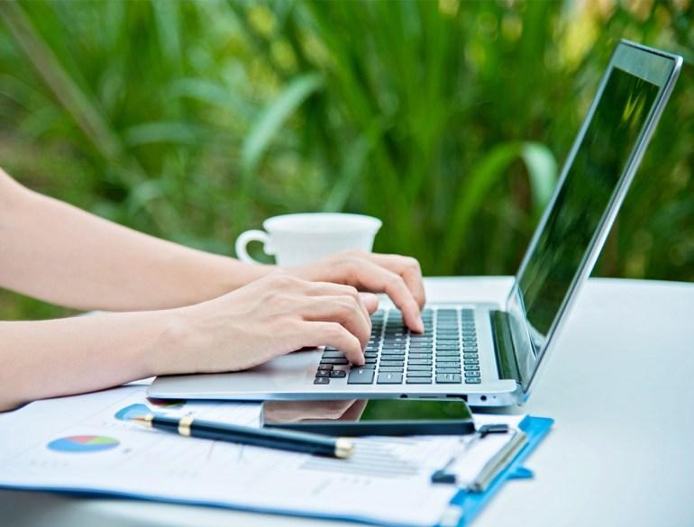 working outside, improve productivity, reduce stress