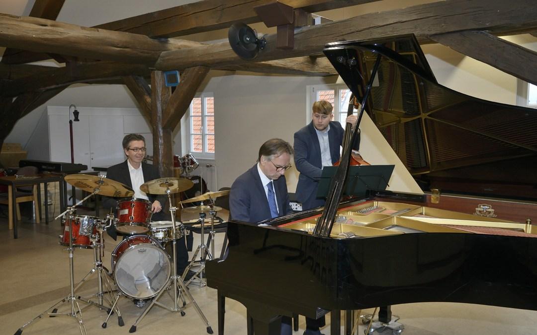 """""""Jazz im Gebälk"""" auf der Amöneburg mit dem Michele Alberti Trio, Bernd Mann"""