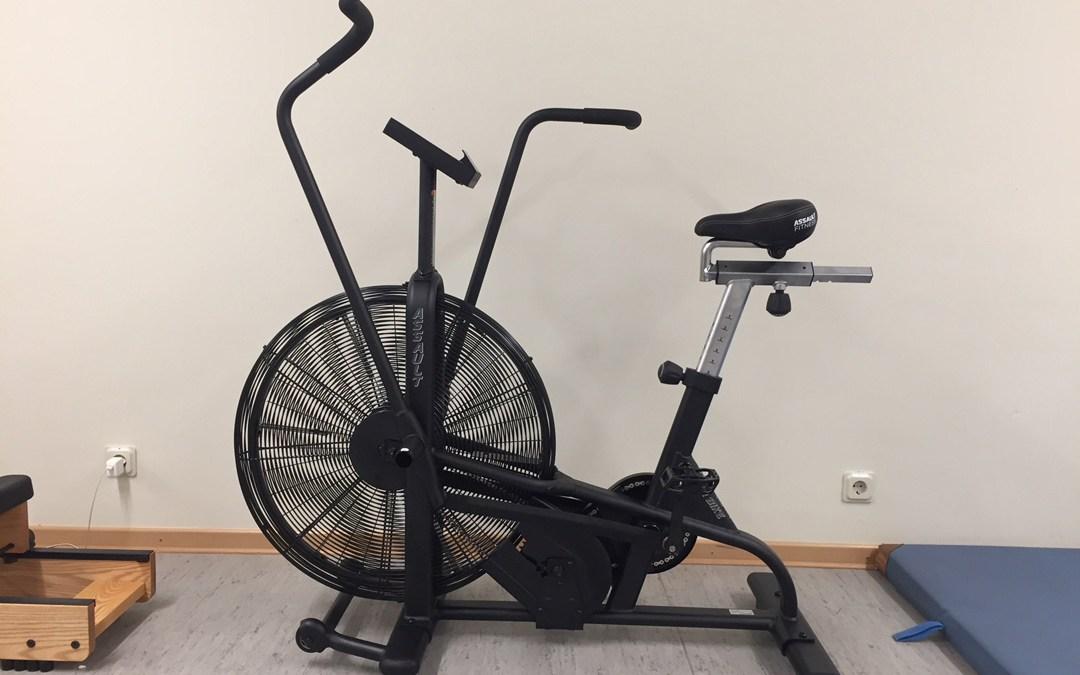 Neues Sportgerät für den Kraftraum der Stiftsschule