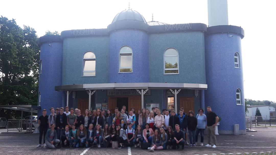 Einfach nachahmenswert: Besuch in der Moschee Fatih Camii in Stadtallendorf