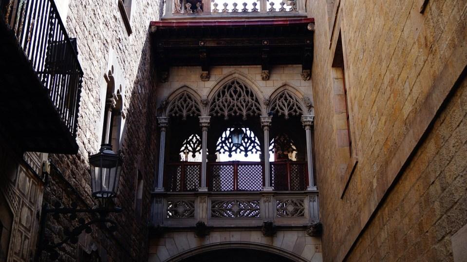 alojarse barrio gotico barcelona